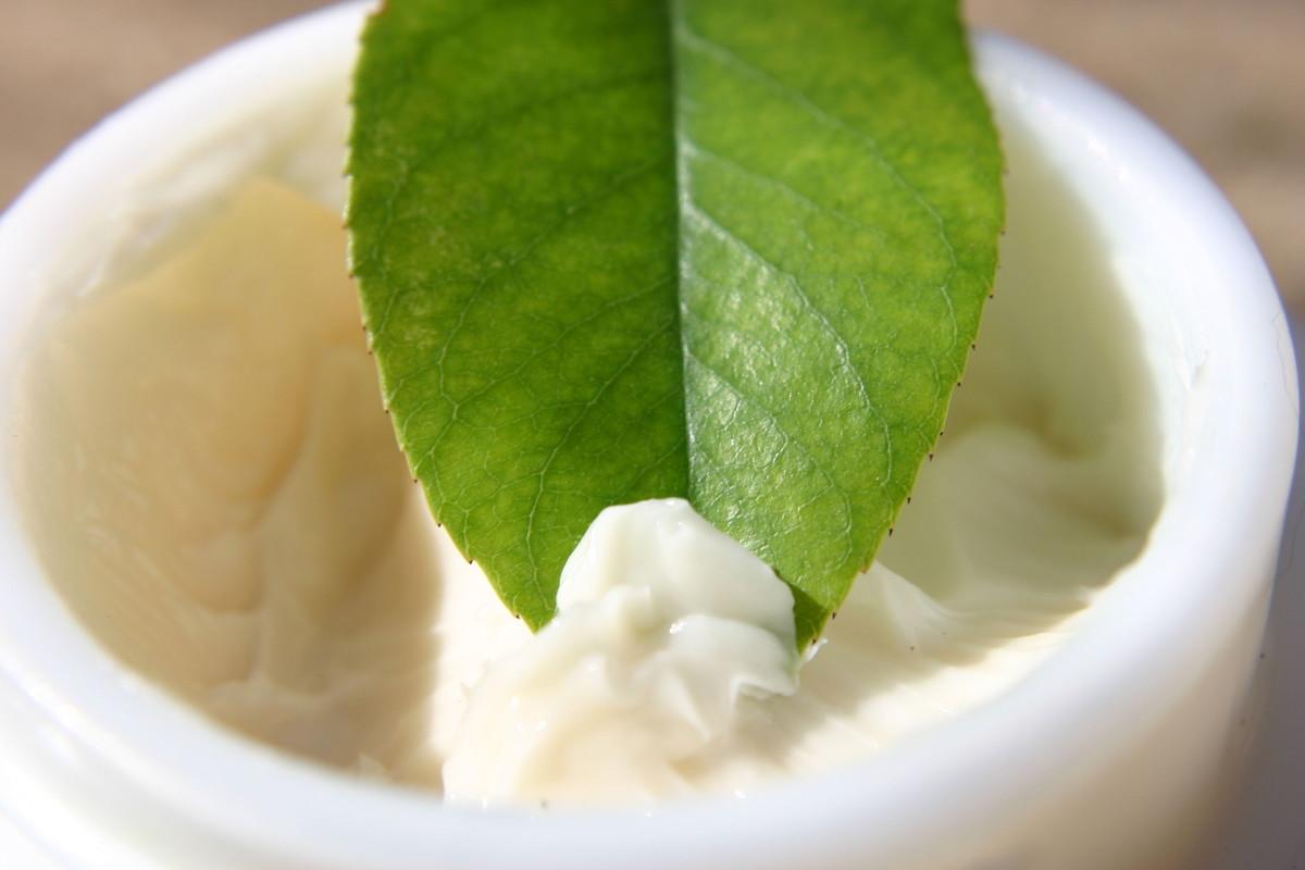 コラーゲンを経口摂取してハリつや美肌。より効率の良い摂り方は