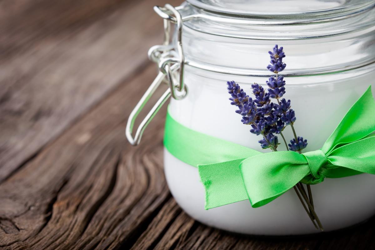 美白美容液を効果的に使用するには?シミそばかすを防ぐ使用法と注意