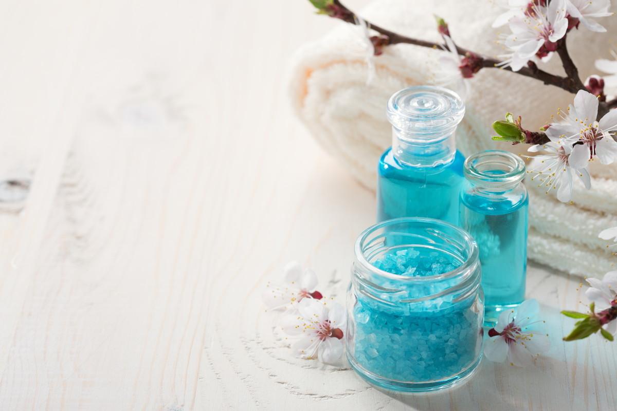 「ピーリング石鹸」でくすみ、シミにサヨナラ。初めての選び方と使い方