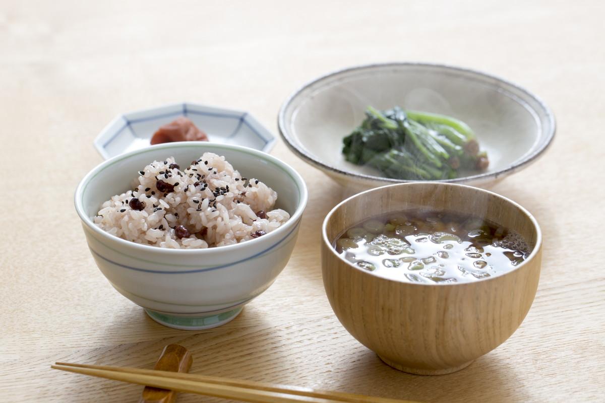酵素玄米ダイエットで美味しく簡単デトックス。モチモチご飯の炊き方