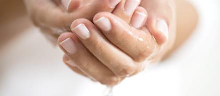 脂性肌を改善するケア方法。間違いがちな「スキンケア」の見直し方