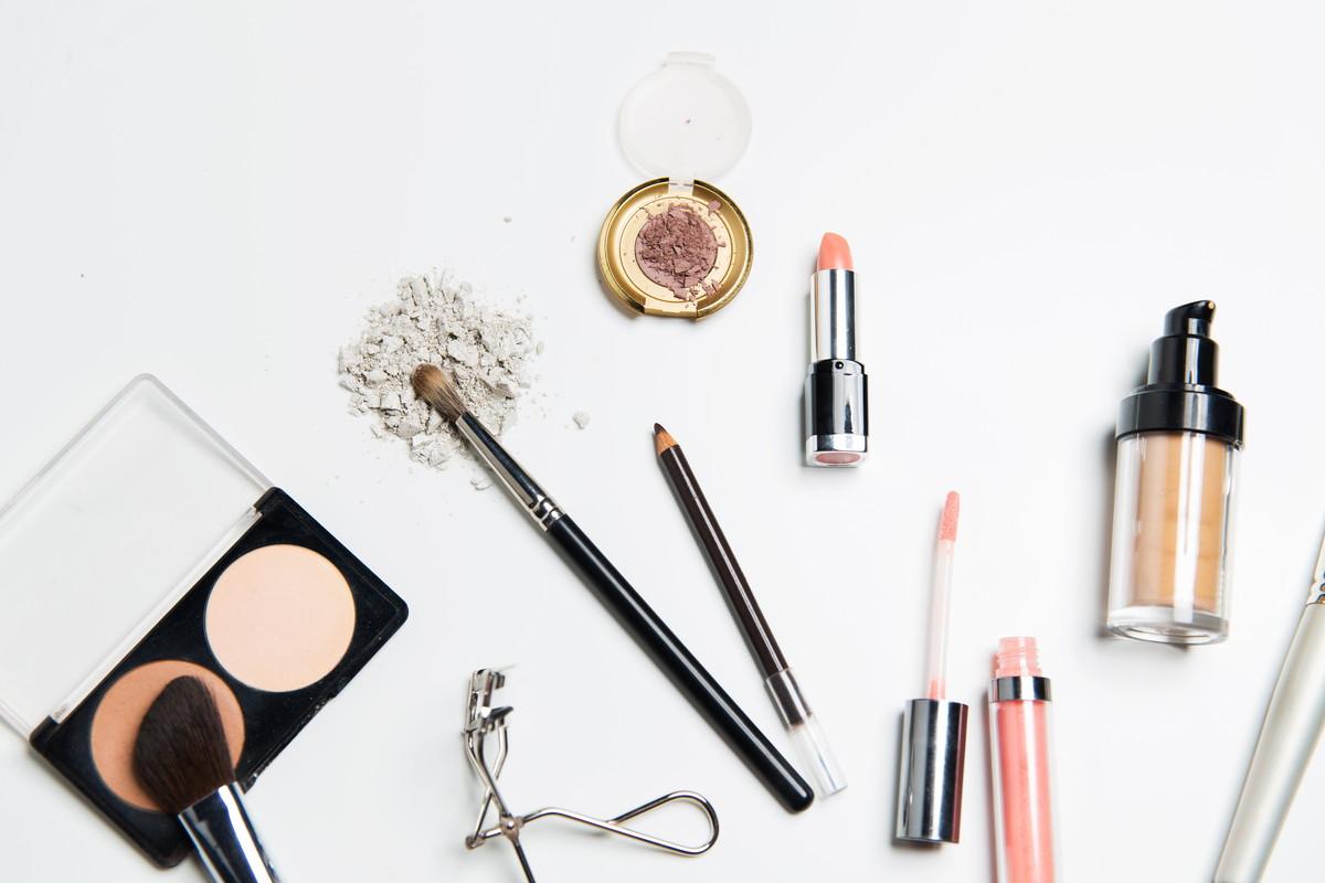 乾燥肌におすすめ化粧下地人気ランキング15選!プチプラや20代におすすめの商品はどれ?