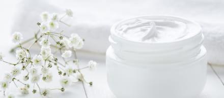 乳液だけで行える簡単スキンケア。肌トラブルの原因が実は化粧水?