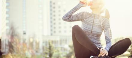 背筋を鍛えてダイエット。肩こりを解消して美しい姿勢を手に入れる