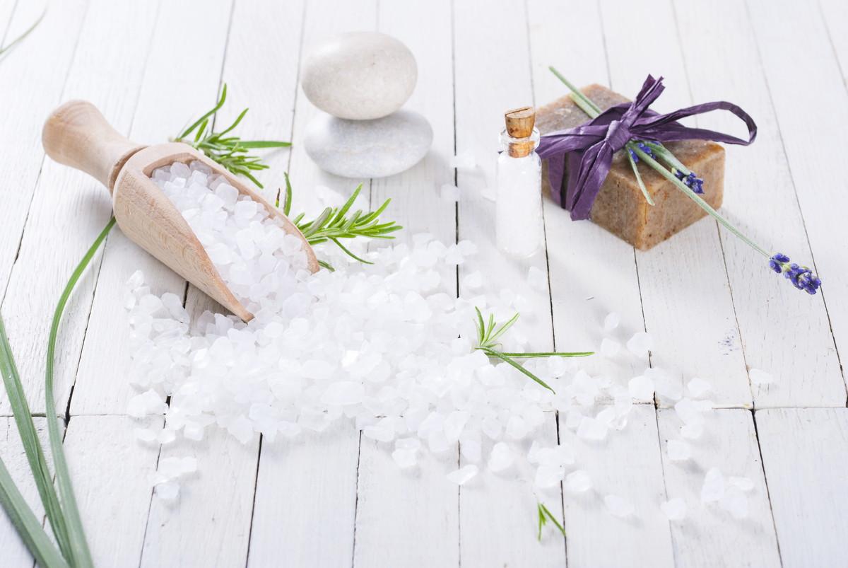 石鹼洗剤のおすすめ人気ランキング5選!お肌に優しい洗濯洗剤は?