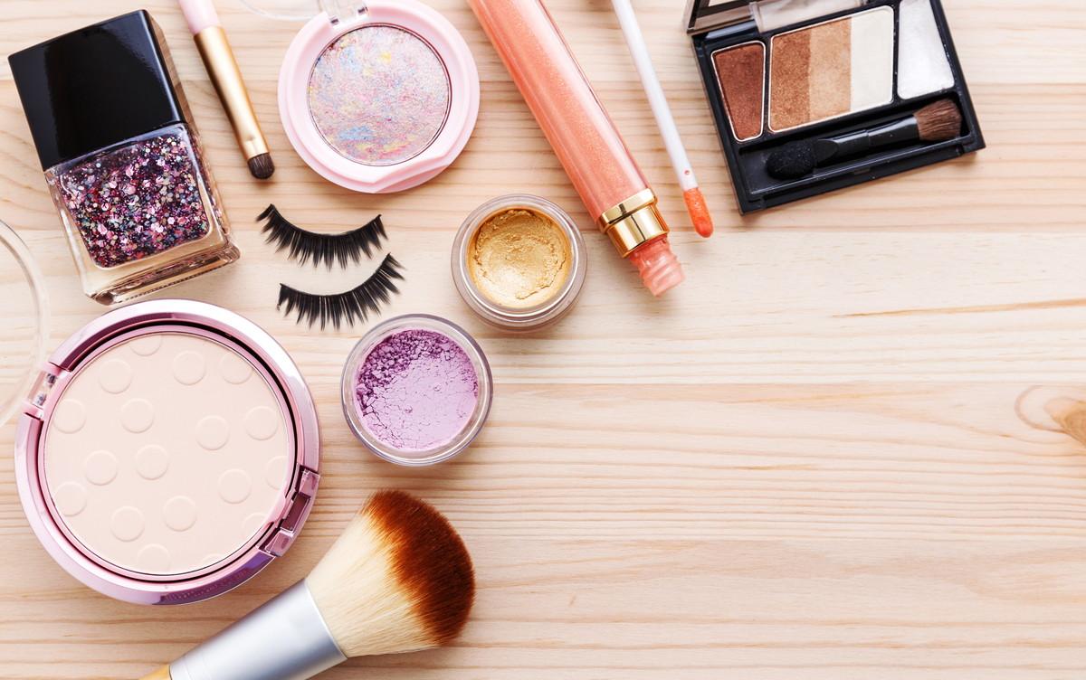 保湿力の高い化粧下地で乾燥レスへ。化粧下地の効果や選び方
