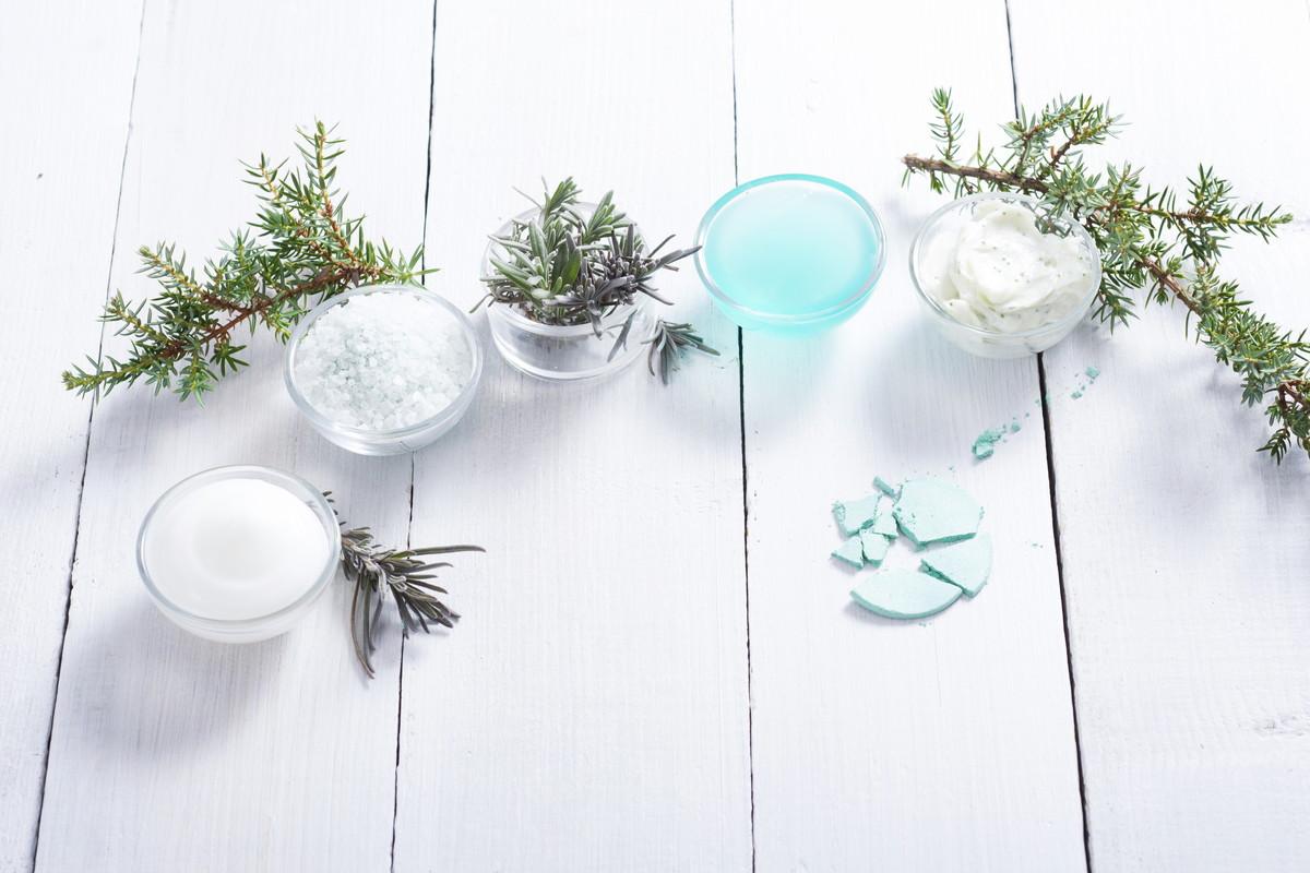 ニキビ用の化粧水を選ぶポイントをおさえて、正しいニキビケア。