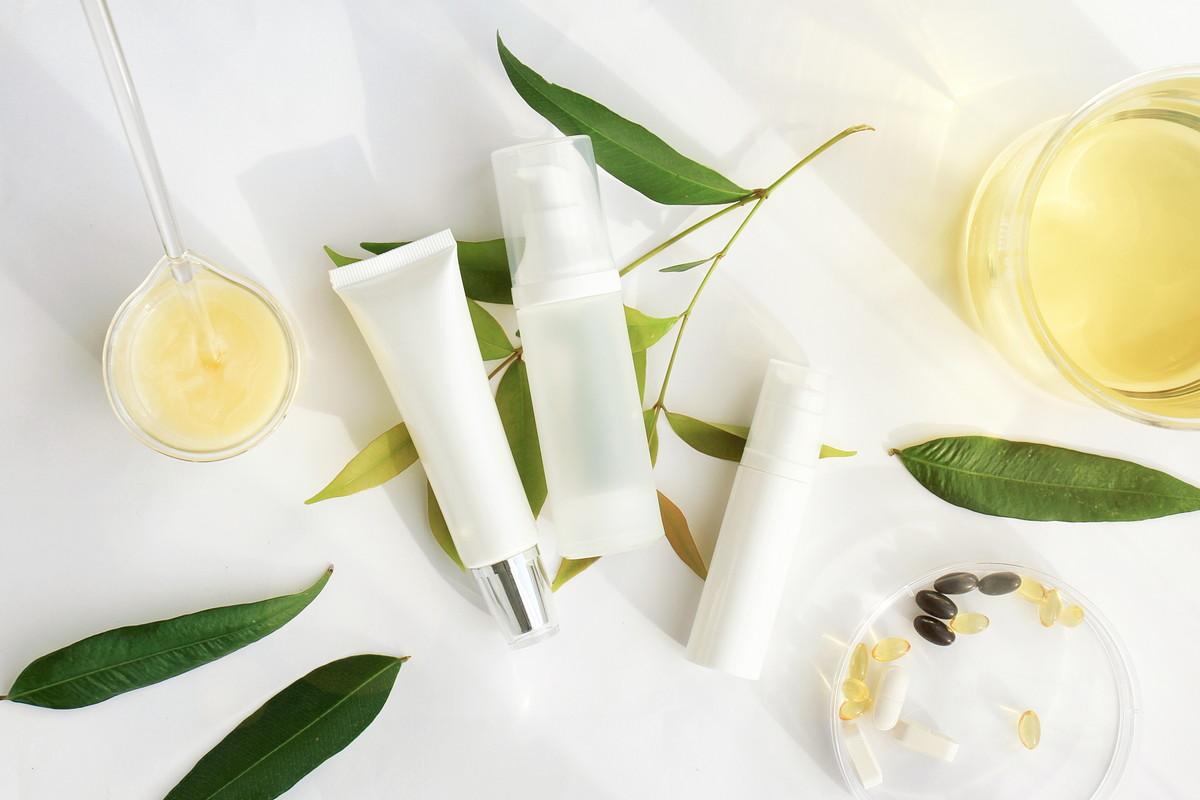 敏感肌でも使えるクリームは?保湿力を高めて潤いを取り戻す方法