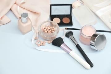 化粧崩れ防止スプレーで崩れ知らずに。崩れる原因とその対処法とは