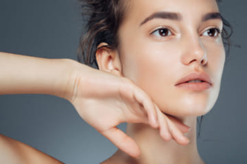 毛穴をカバーできる化粧下地おすすめ人気ランキング5選。上手にツルツル肌に見せるコツを伝授