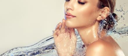 つやつや肌になれる美容液おすすめ人気ランキング5選。理想の肌を手に入れるポイントは成分と使い方にあった!