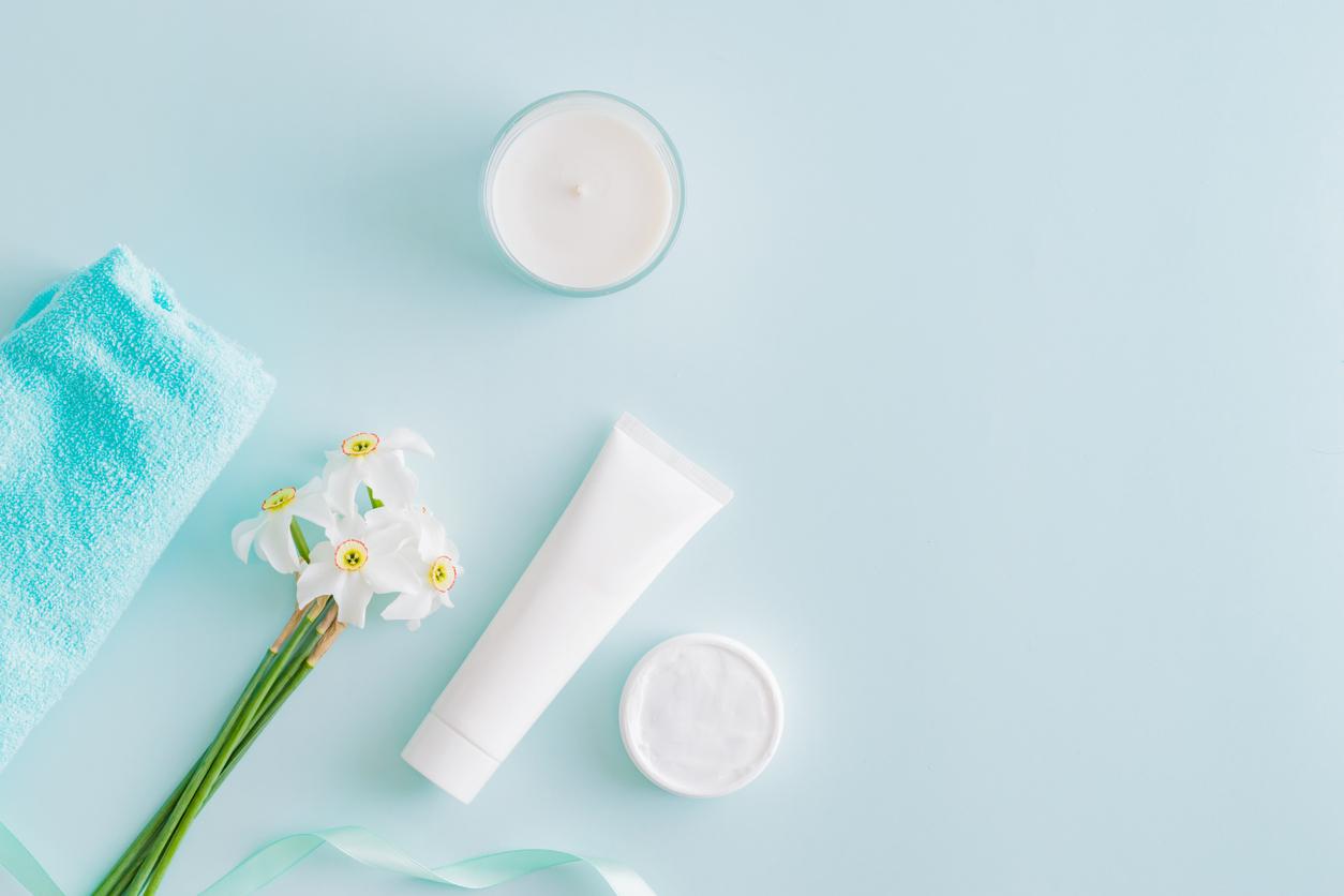 ニキビケアにおすすめの化粧水と洗顔料。つるつる美肌になる秘訣とは