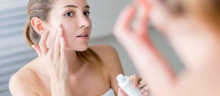 肌が汚いのは何故?理由や原因を知ってニキビ跡や毛穴を改善しよう