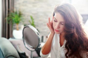 目元のしわに効く美容液おすすめ人気BEST5。エイジングケアをサポートする最強アイテムとは?