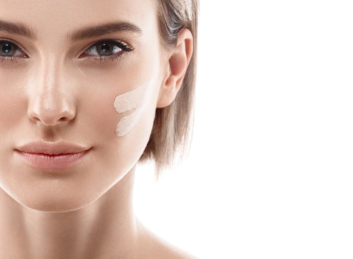 保湿効果の高い化粧下地おすすめランキング5選。成分をチェックして上手に使うコツ
