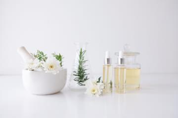 肌のハリにおすすめの美容液人気ランキング5選。肌のメカニズムを知って効果を高める
